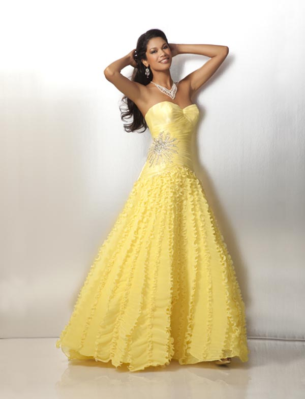 Yellow A Line Sweetheart And Strapless Organza Formal Dresses With Beading Embroidery