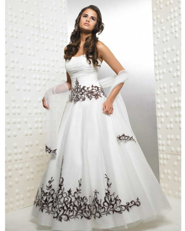 Full Length Ball Gown Strapless White Tulle Quinceanera Dresses With Chocolate Embroidery