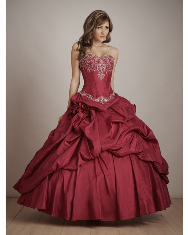 Burgundy Ball Gown Sweatheart Ruffled Floor Length Quinceanera Dresses With White Appliques