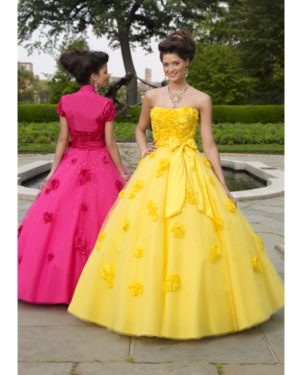 Yellow Strapless Ball Gown Floor Length Tulle Quinceanera Dresses With Sash And Hand Made Flowers