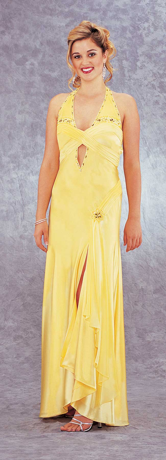 Halter Floor Length Yellow Sheath Chiffon Prom Dresses With Beads