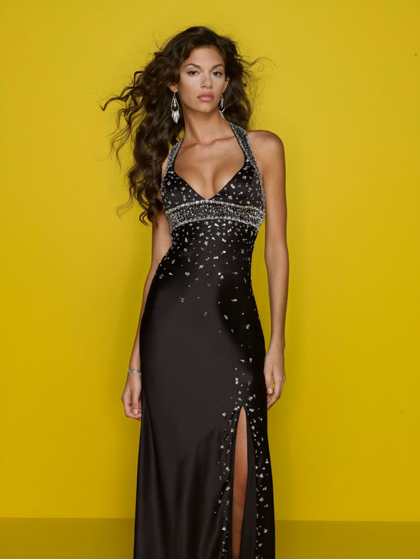 Black Halter And V Neck Floor Length Sheath Prom Dresses With Beads
