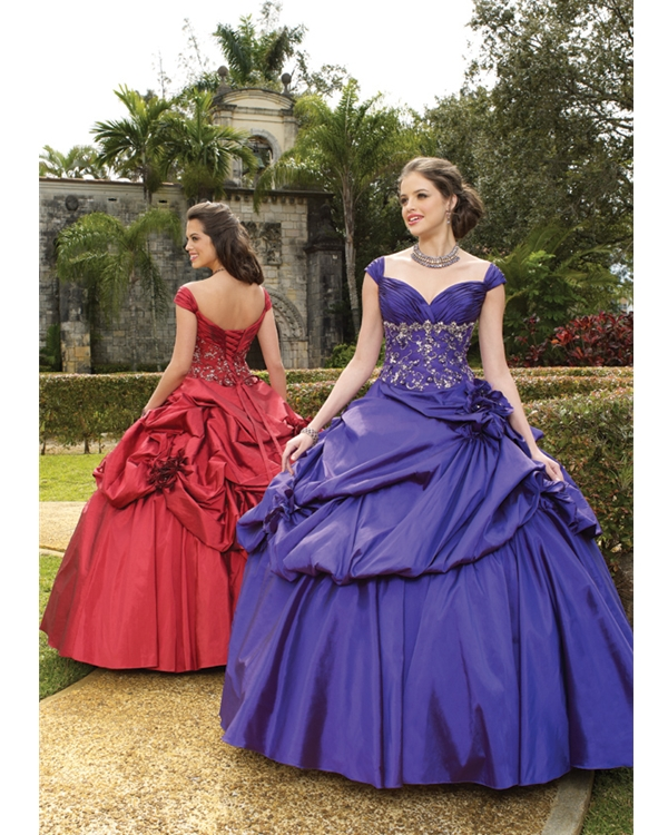 Queen Anne Neck Floor Length Ball Gown Purple Taffeta Quinceanera Dresses With Embroidery And Drapes