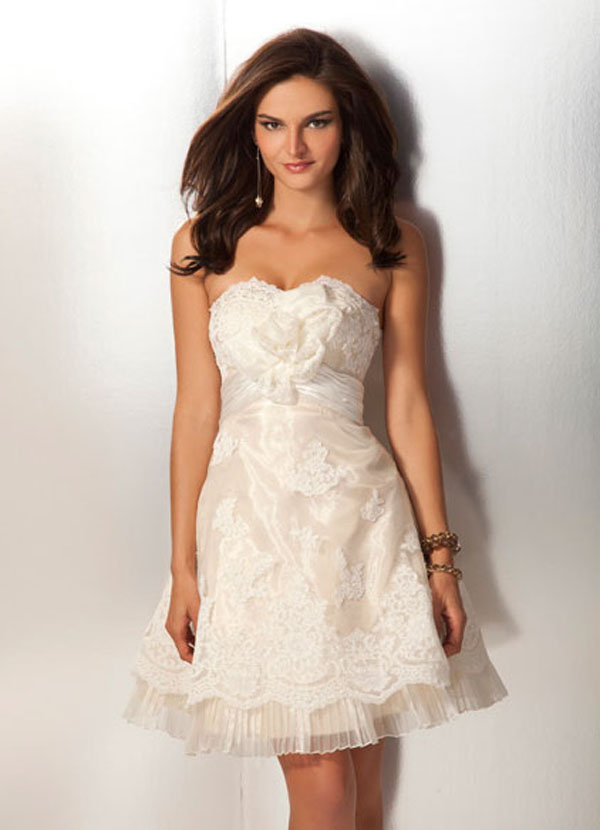 Ivory Strapless Sweetheart Empire Short Mini Organza A Line Prom Dresses With Lace