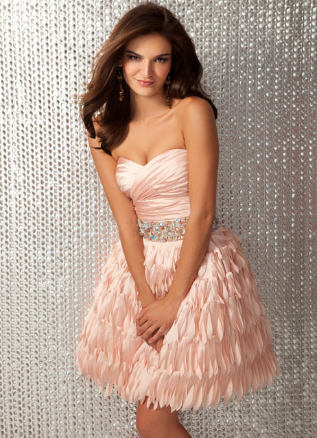 Peach Sweetheart Strapless Short Mini A Line Prom Dresses With Beads And Tiered Skirt