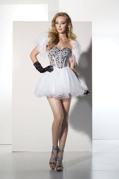White Sweetheart Low Back Ball Gown Short Mini Tulle Sexy Dresses With Black Jewel