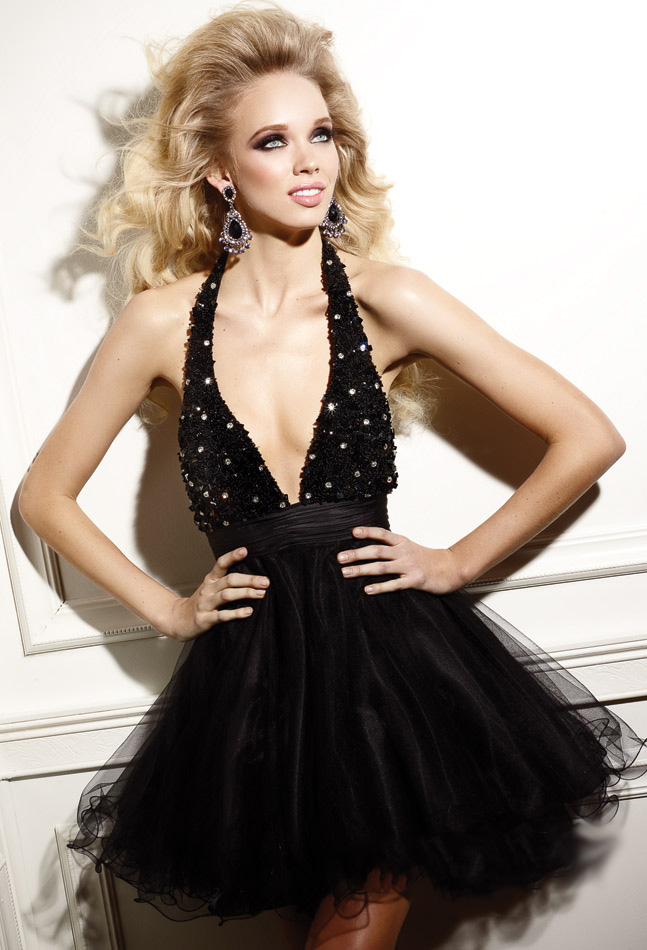 Black A Line Halter And Deep V Neck Backless Short Mini Cocktail Dresses With Sequins And Tulles