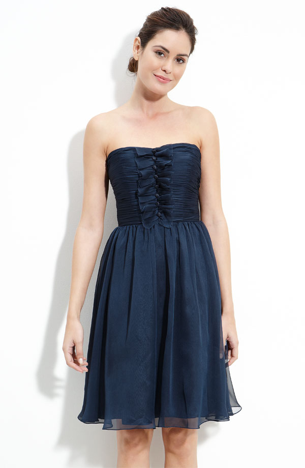 Dark Navy Column Strapless Zipper Knee Length Tulle Prom Dresses With Ruffles And Buttons