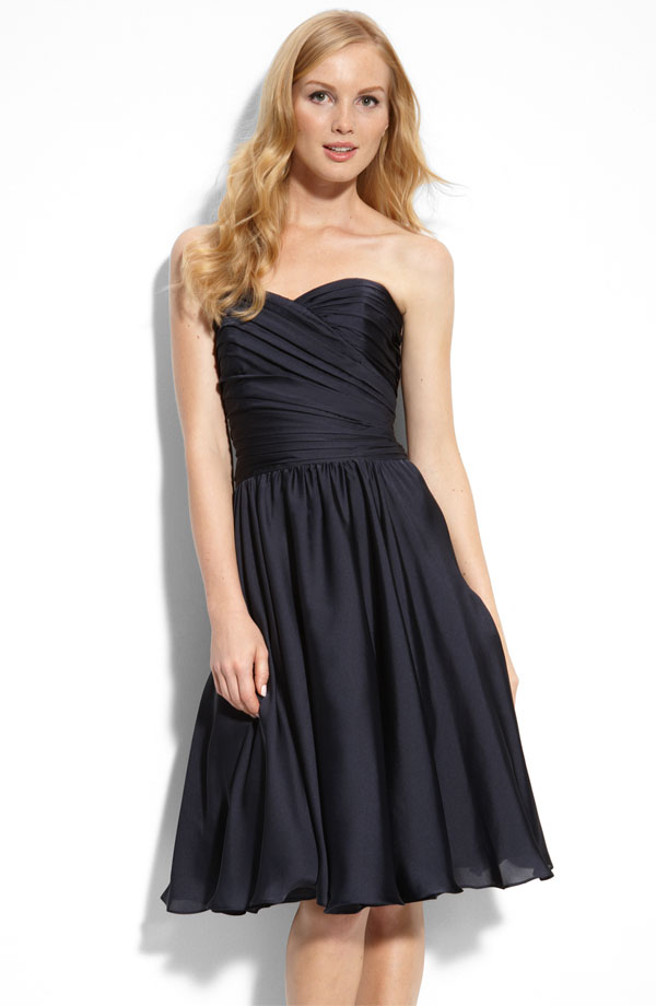 Black Column Sweetheart Zipper Knee Length Chiffon Bridesmaid Dresses With Ruffles