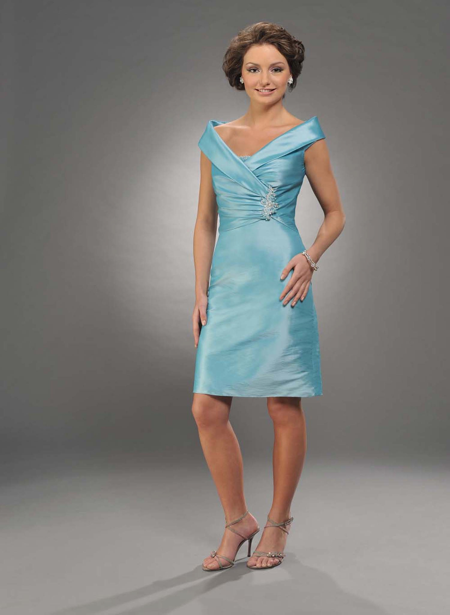 Light Blue Column Cap Sleeves Knee Length Satin Prom Dresses With Beading And Drapes
