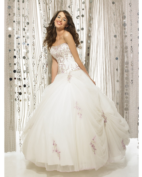 White Ball Gown Strapless Lace Up Full Length Quinceanera Dresses With Appliques And Ruffles