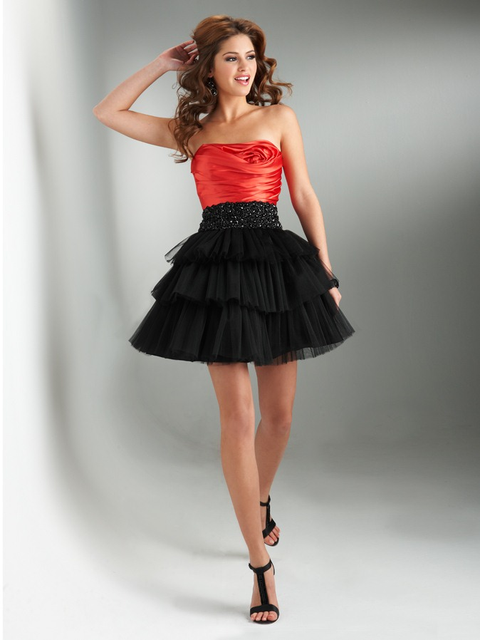 Red And Black A Line Strapless Lace Up Short Mini Tiered Homecoming Dresses With Beading Waist