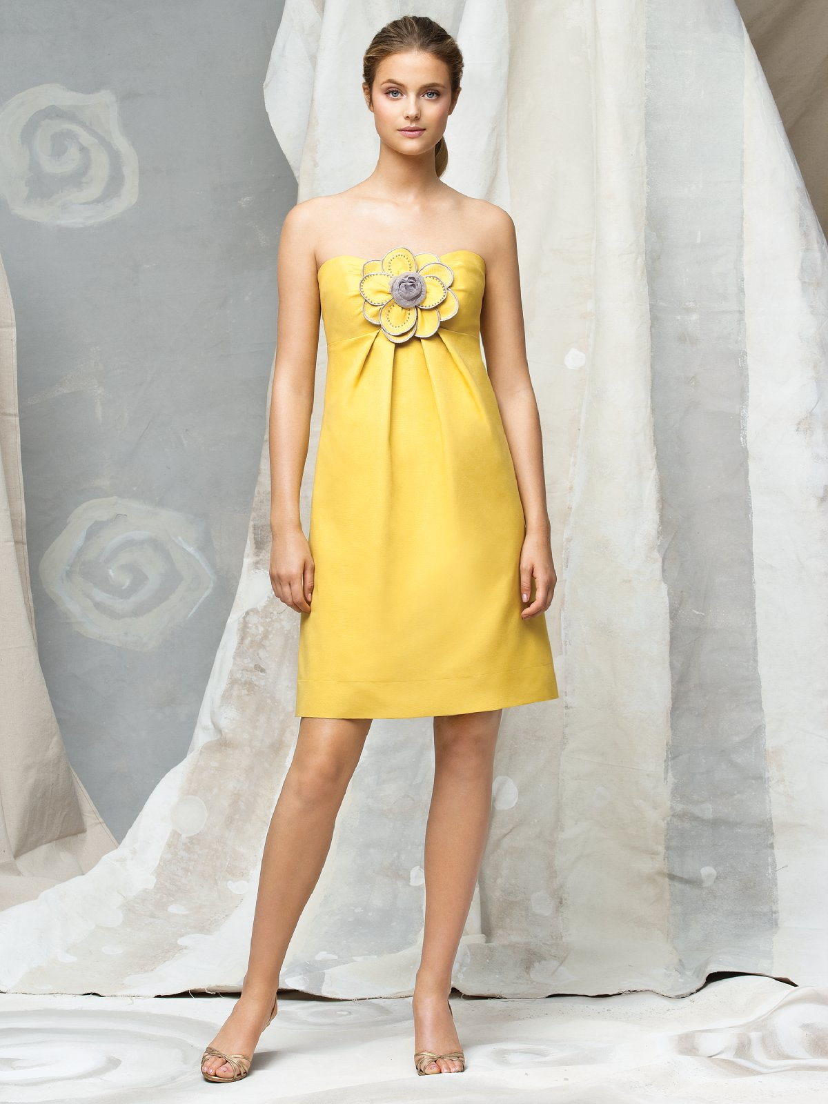 Yellow Empire Strapless Zipper Knee Length Satin Prom Dresses With Flowers