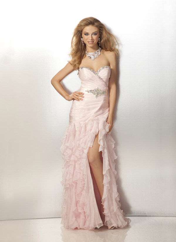 Pearl Pink Sweetheart Full Length Slit Organza Formal Dresses With Beadings And Ruffles
