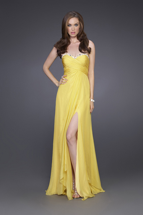 Daffodil Empire Strapless Sweetheart Full Length Celebrity Dresses With Sequins And High Slit