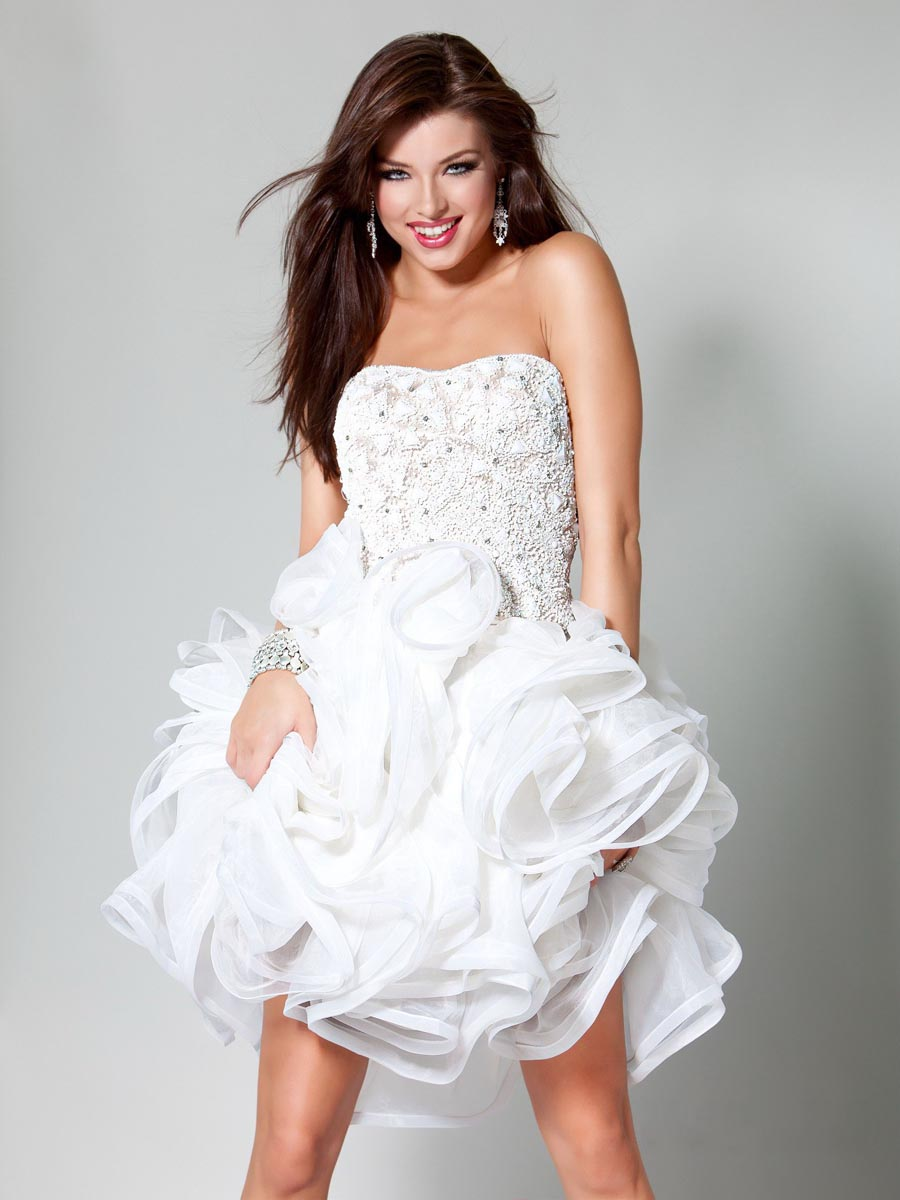 White A Line Strapless Sweetheart Zipper Short Mini Cocktail Dresses With Beading And Ruffled Skirt