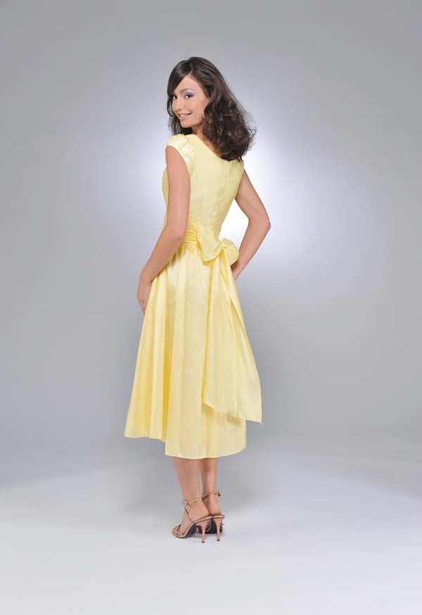 8f3a4aaba4c62 A Line Scoop and Short Sleeve Zipper Yellow Tea Length Prom Dresses With  Sash and Bowknot